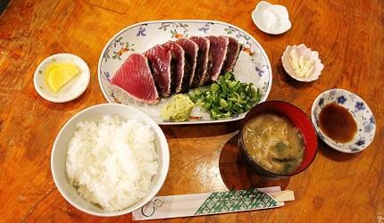 日本高知縣烤半熟鰹魚生魚片白飯味噌湯