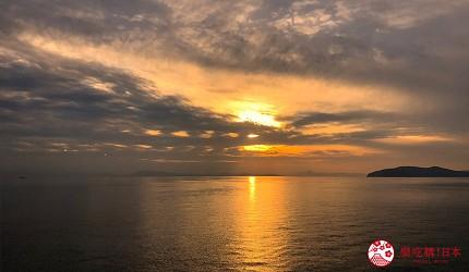四國「小豆島」推薦觀光一日遊從神戶港搭乘「Jumbo Ferry」的甲板夕陽景色
