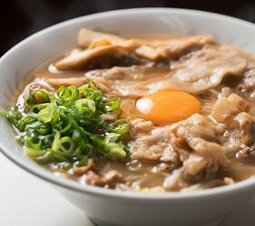 德島市官方觀光網站「Fun!Fun!TOKUSHIMA」的美食推薦德島拉麵店家「銀座一福」