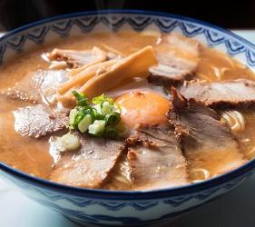 德島市官方觀光網站「Fun!Fun!TOKUSHIMA」的美食推薦德島拉麵店家「かわい」