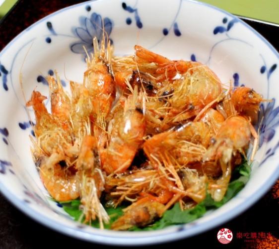 高知市美食必吃推薦四萬十川產河蝦鮮魚套餐中的河蝦