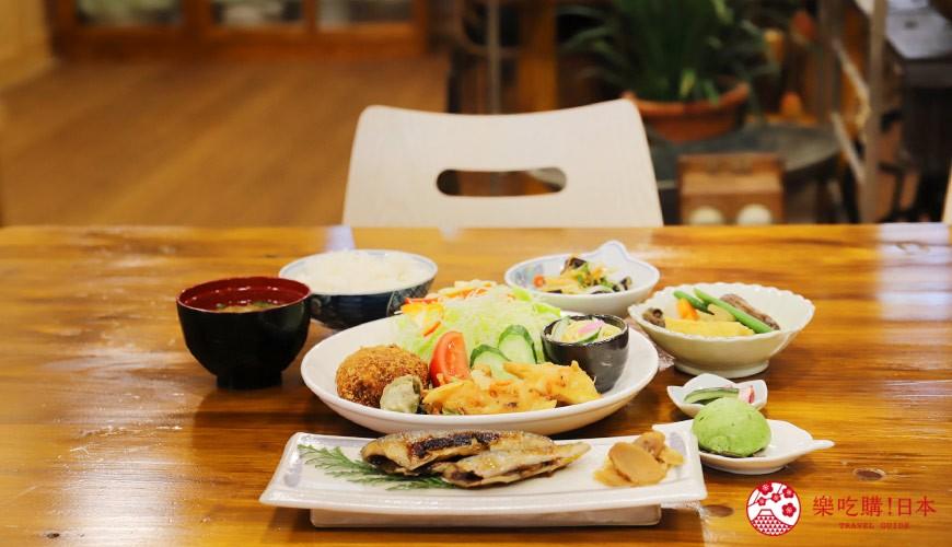 日本高知閨蜜旅行推薦推介美肌溫泉超舒服日版北川村莫內花園絕美花景打卡必到私房景點的農家食堂內的餐點