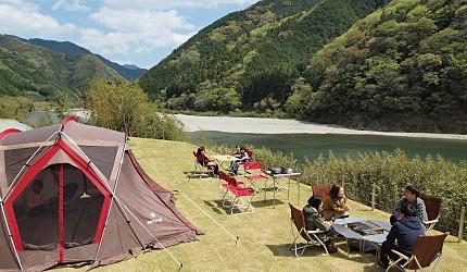 高知必玩6大户外活动推荐-Snow Peak Ochi仁淀川露营Campfields