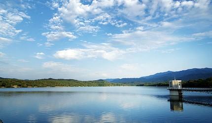 四国香川超漂亮秘境向日葵之乡「满浓町」花海打卡三霞洞溪谷看瀑布推荐推介的满浓池畔超美湖景