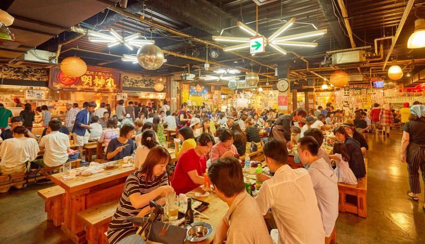 四國深度旅遊推薦推介弘人市場吃鰹魚日曜市買日本水果帶你看最道地的高知的吃飯的地方