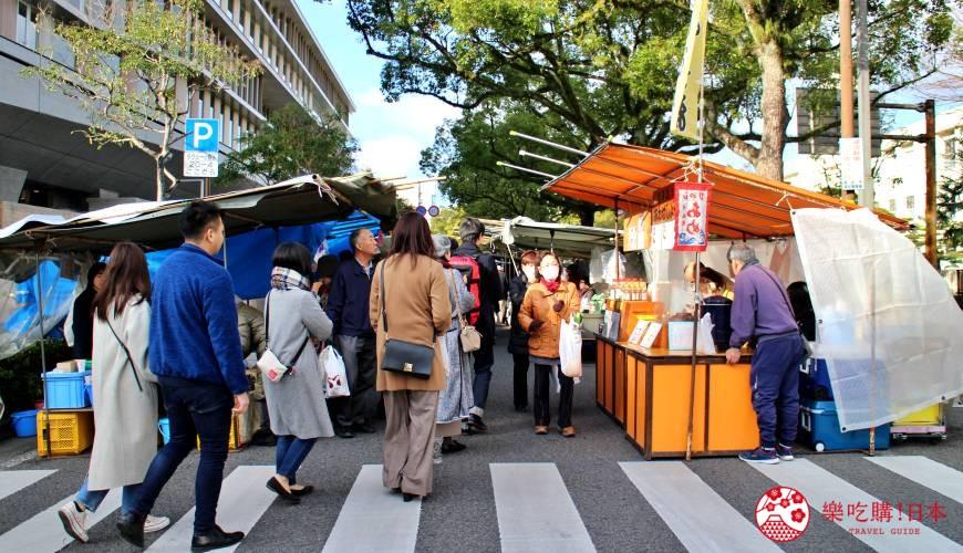 四國深度旅遊推薦推介弘人市場吃鰹魚日曜市買日本水果帶你看最道地的高知的弘人市場的必逛日曜朝市入口